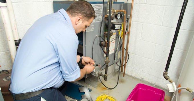Man installing hvac